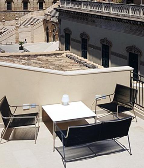 Coro Shot Outdoor Beistelltisch quadratisch 700 x 700 x 350 mm Rahmen Edelstahl satiniert