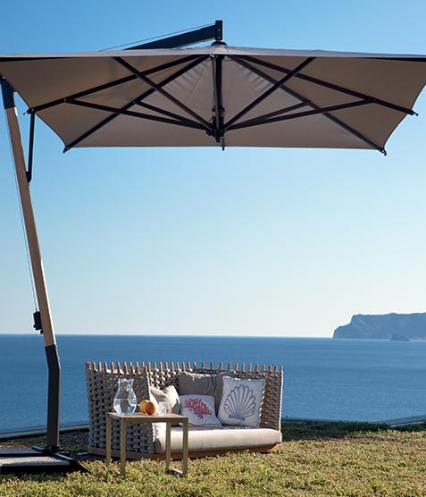 Ampelsonnenschirm Capri quadratisch 350 x 350 cm mit Kurbelbedienung Bezug lt. Kollektion Konstruktion Teak Silber
